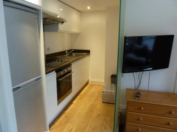 Similar Flat Kitchen