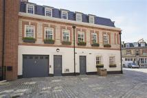Grosvenor Gardens Mews North Mews to rent