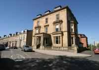 3 bed Flat for sale in Redlands...