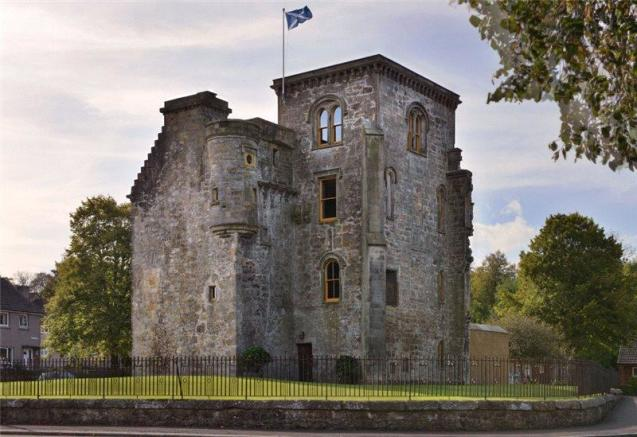 4 bedroom detached house for sale in johnstone castle for Tower house for sale