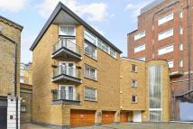 1 bed Apartment in Clarges Mews, London, W1J