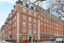 4 bed Apartment in Grosvenor Square, London...