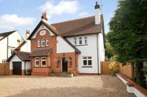 Detached house in Arden Grove, Harpenden...
