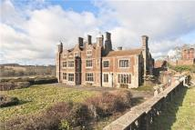11 bed Detached property in Dunstable Road, Markyate...