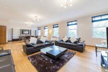 3 bedroom Apartment in Park Lane, Mayfair W1
