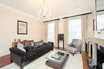 3 bedroom house in Culross Street, Mayfair...