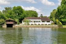 5 bed Detached home for sale in Willow Lane, Wargrave...