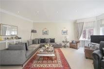 3 bed Apartment in Hans Crescent, London...