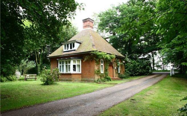Burfield Lodge