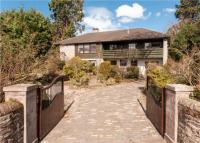 5 bedroom Detached house in Connaught Terrace...