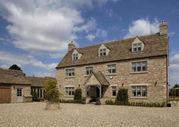 6 Bedroom Detached House For Sale In Clanfield Bampton