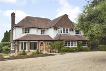5 bed home in Philpot Lane, Chobham...