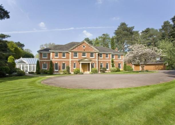 5 Bedroom House For Sale In Broomfield House Westwood