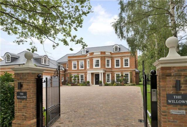 6 bedroom detached house for sale in sunning avenue ascot for Six bedroom house for sale