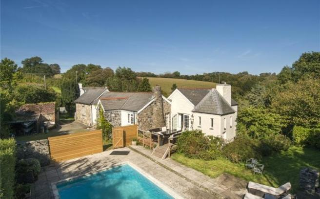 4 Bedroom Detached House For Sale In Roscaddon Manaccan Helston Cornwall Tr12 Tr12