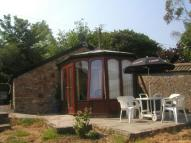 1 bedroom Detached home in Oakridge Lane, WINSCOMBE