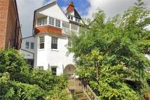 5 bedroom semi detached property in Woodbury Park Road...