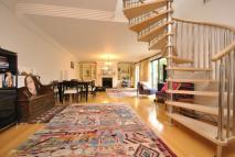 3 bedroom Town House to rent in Conybeare, Primrose Hill