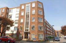 2 bed Flat to rent in Charlbert Street...