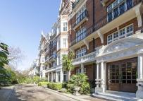4 bedroom Flat in Maida Vale, London