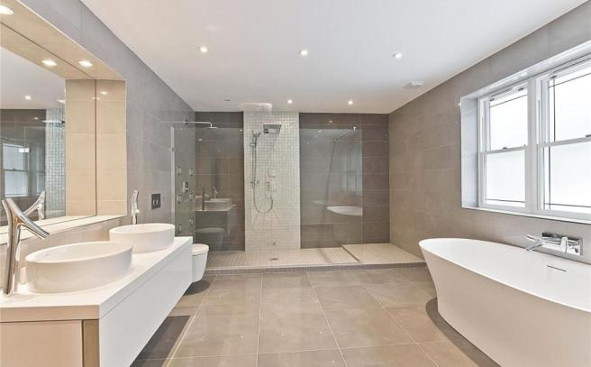 Master Hers Ensuite