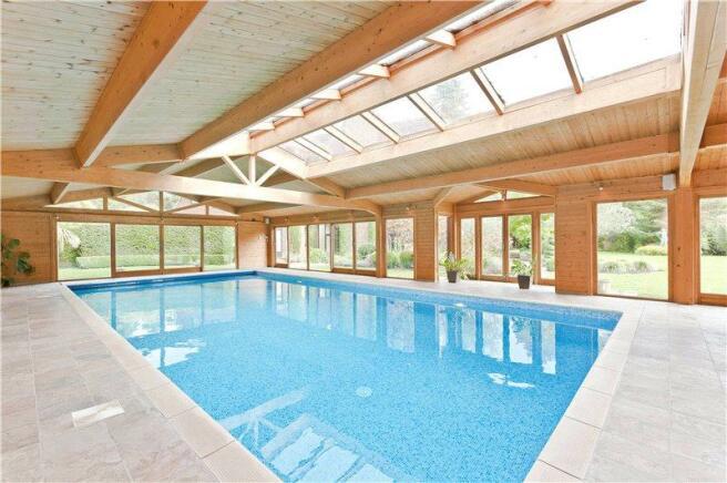 5 Bedroom Detached House For Sale In Camp End Road St George 39 S Hill Weybridge Surrey Kt13 Kt13