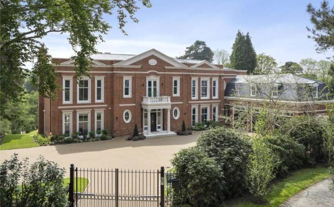 5 bedroom detached house for sale in brooks close st for Modern luxury homes for sale uk