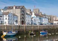 3 bed Character Property in The Quay, Castletown...