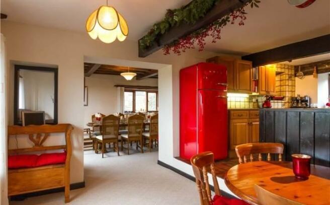 Kitchen Dining Area