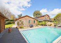 6 bed Detached house in Southlea Road, Datchet...