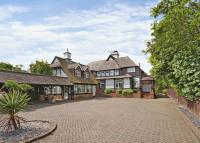 5 bed Detached home in Dorney Reach Road...