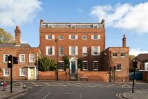 8 bedroom semi detached property in Sheet Street, Windsor...