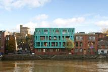Flat for sale in Windsor Quay, Farm Yard...