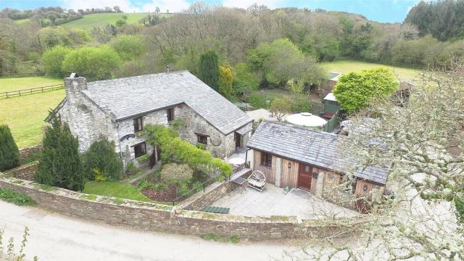 3 Bedroom Barn Conversion For Sale In Trewen Launceston Pl15