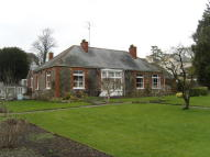 4 bed Detached Bungalow in 6 Park Road, Tiverton...