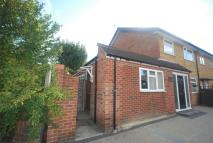End of Terrace home to rent in Chase Gardens, Twickenham