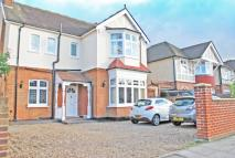 4 bed Detached house in London Road, Twickenham