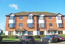2 bed Ground Flat in Varsity Drive, Twickenham