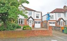 5 bed semi detached property to rent in Spencer Road, Twickenham
