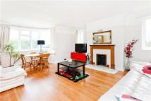 2 bedroom Flat in Durham Close, London...