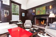 3 bedroom Flat for sale in Cottenham Park Road...