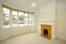 4 bed Flat in 46 Birbeck Avenue, Acton...