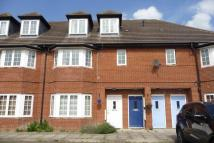 Maisonette for sale in Cherrytrees, Coulsdon...