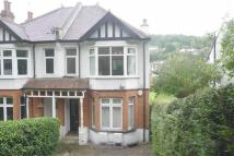2 bed Flat to rent in Godstone Road, Purley