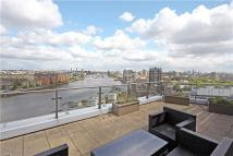 4 bed Flat in Ensign House...