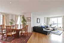 4 bed Flat for sale in Hanover House...