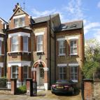 6 bedroom semi detached home in Thurleigh Road, London...