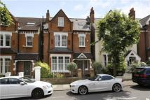 6 bedroom Terraced house in Thurleigh Road, London...