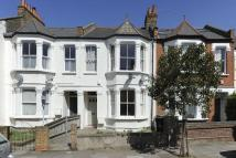 2 bed Flat in Honeybrook Road, London...
