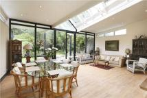 5 bedroom semi detached property in Chatsworth Way, London...